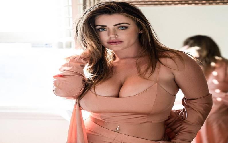 Sophie Dee Biography, Age, wiki, boyfriend, Weight,